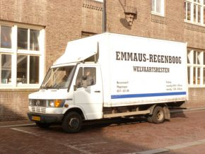 thumb Wageningen collecting goods